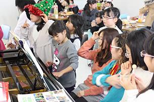 クリスマス会を開きます!の画像